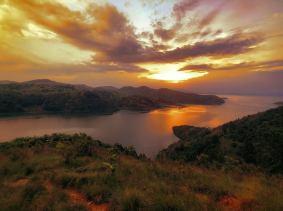 Vista do lago Kivu, onde fica a escola Lesperance