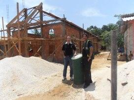 Com o amigo Pr. José Alves, em frente à IASD de Novo Horizonte